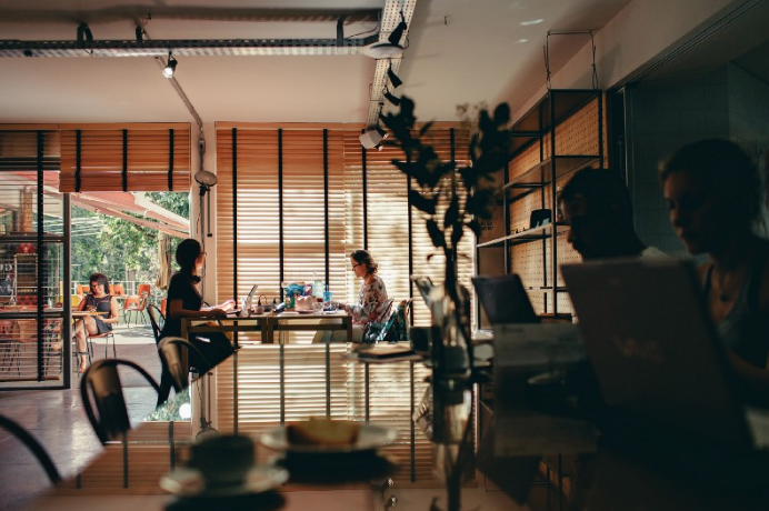 7 Reasons Your Small Business Might Be Ready for an Office